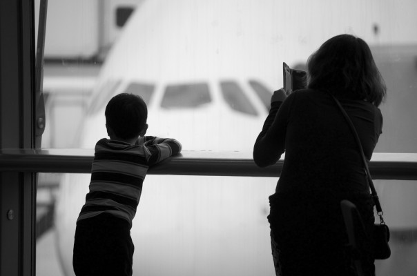 Seven Tips for Travelling with Toddlers During the Holidays with http://www.redappleapartments.com