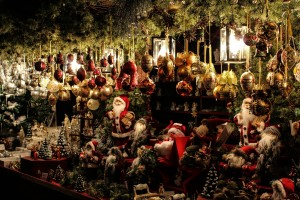 Three Reasons to Visit the Christmas City This Holiday Season with http://www.redappleapartments.com