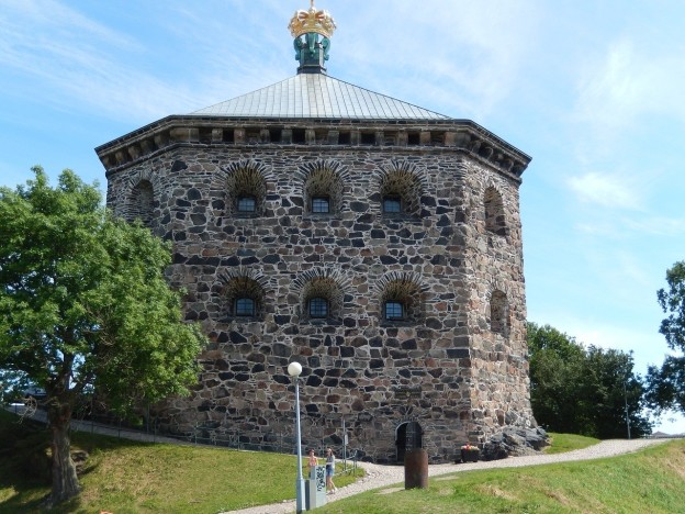 3 reasons to visit Gothenburg with redappleapartments.com